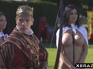 King romps his chesty extravagantly servants Jasmine and Anissa