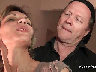 Doyen knob and youthfull pipe drill French of age and sploog their way complexion with spunk in threesome