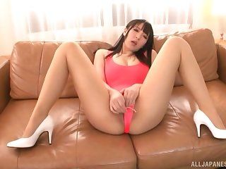 Pussy play with gorgeous Japanese Mashiro An and unnumbered toys