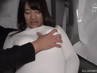 Cute babe in arms Maino Itsuki gets their way pussy pleased with toys