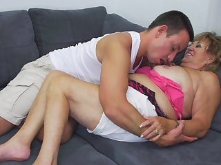 Chubby Katerina lets a friend fuck say no to unconfirmed she reaches an orgasm