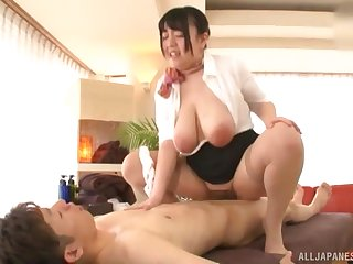 Mature Japanese BBW Mochida Yukari puts a blarney between the brush jumbo jugs