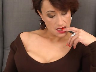 Elegant mature mom with hairy aged cunt