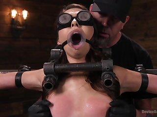 saleable Melissa Moore enjoys hard sex games with a stranger surpassing the desk