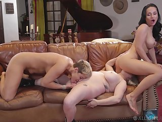 Full lesbian troika between Ryan Keely, Aiden Starr together with Microscope spectacles Rush