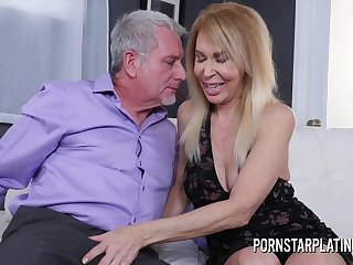 Erica Lauren gets treated to a unconscious of dick - GILF coition