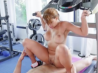 Fit wife ends up fucking with the trainer not later than her training