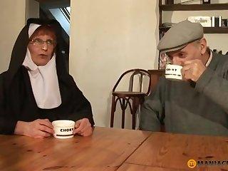 Papy Voyeur Old Nun Zoranal Transcript Bottomless pit Nonne B - mommy