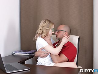Smooth oral and hard sex for the nerdy younr blonde