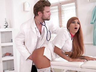 Kinky doc makes nurse ripple