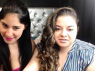 Teen brunette perfect body webcam